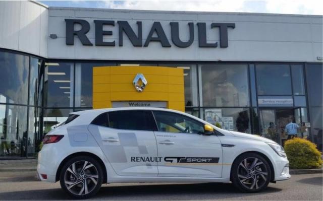 Partial Wrap - Cut Vinyl Graphics - O'Briens Renault